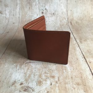 Men's bifold leather wallet